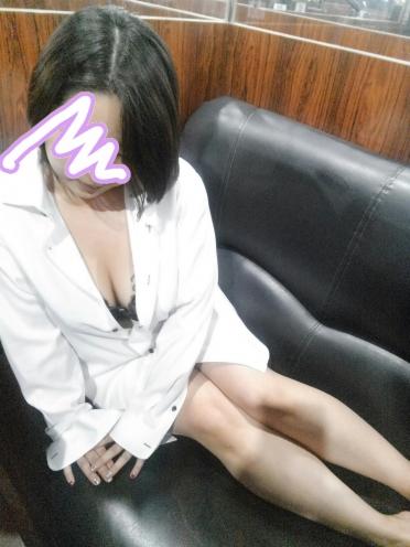 宮崎市中央通のセクキャバ 楽々タイム 宮崎店 No853 ひまわりさんの画像1
